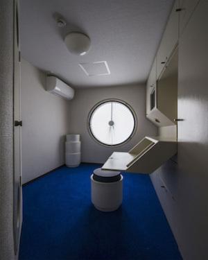 中銀カプセルタワー室内2