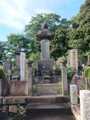 納涼企画/山岡鉄舟の墓
